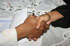 Photo to shake hands