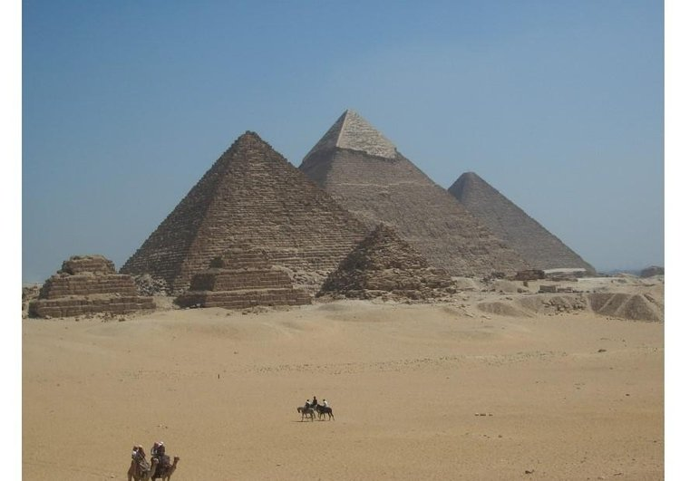 Photo Pyramids of Giza