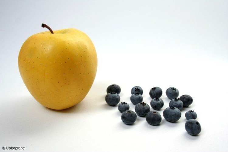 Photo apple and blueberries