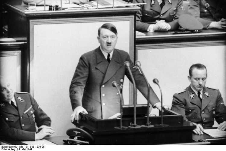 Photo Berlin - Reichstag - Hitler Speech (2)