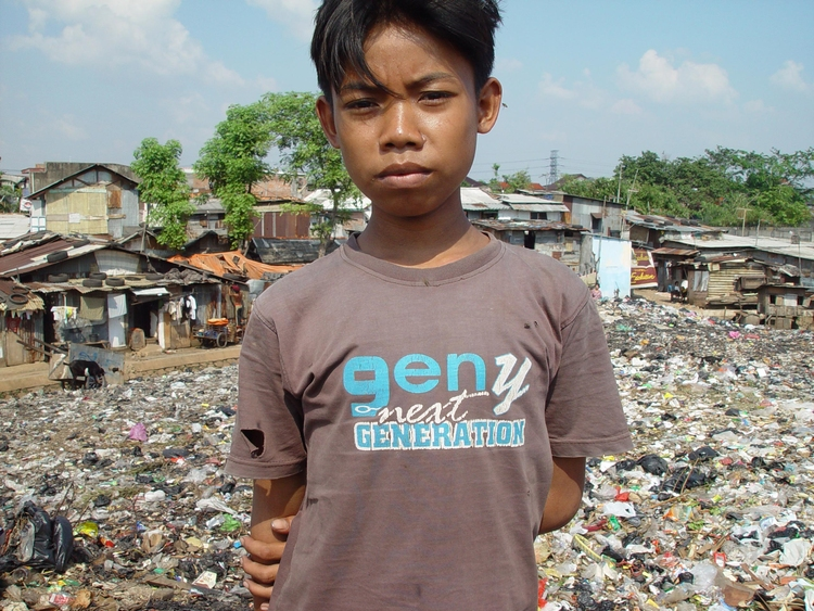 Photo boy in slum area