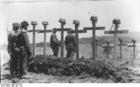 Photo Crete - grave soldiers