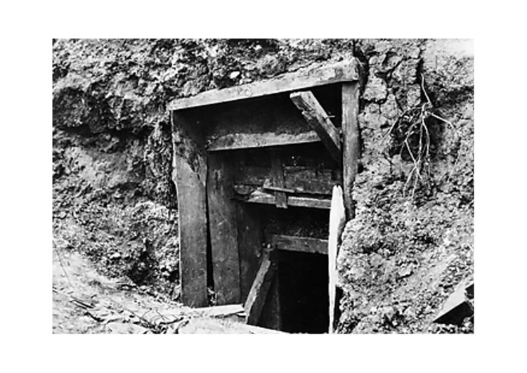 Photo entrance to German dugout