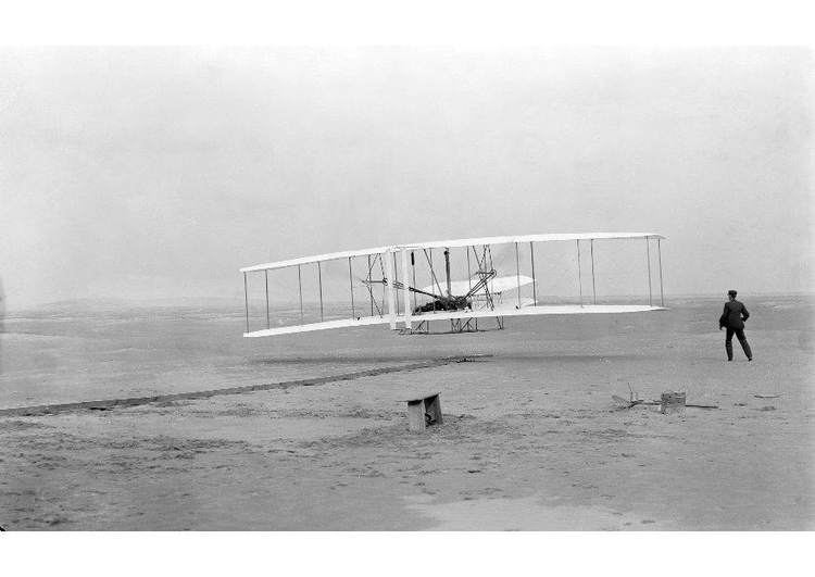 Photo first flight Wright brothers