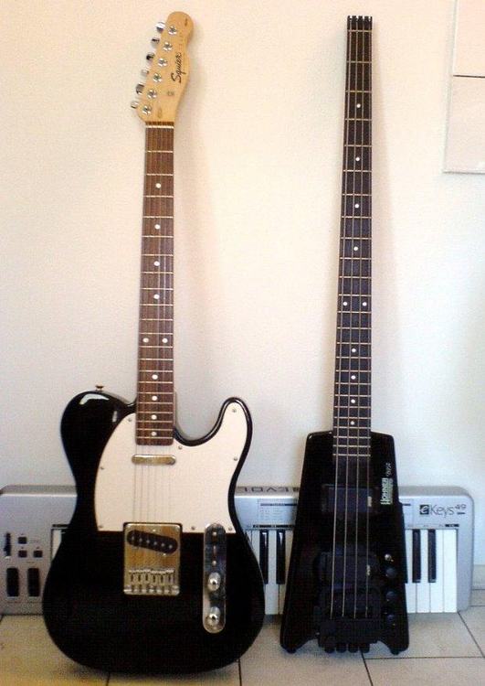 Photo guitar, bass and keyboard