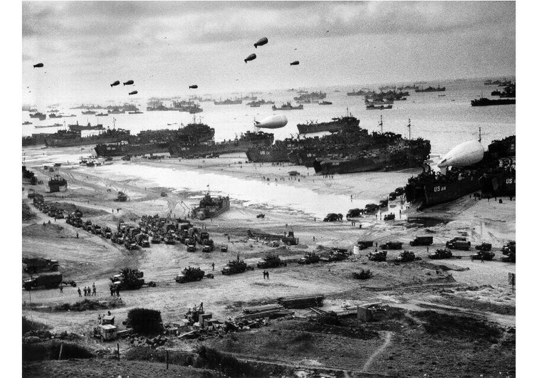 Photo landing at Omaha Beach, Normandy