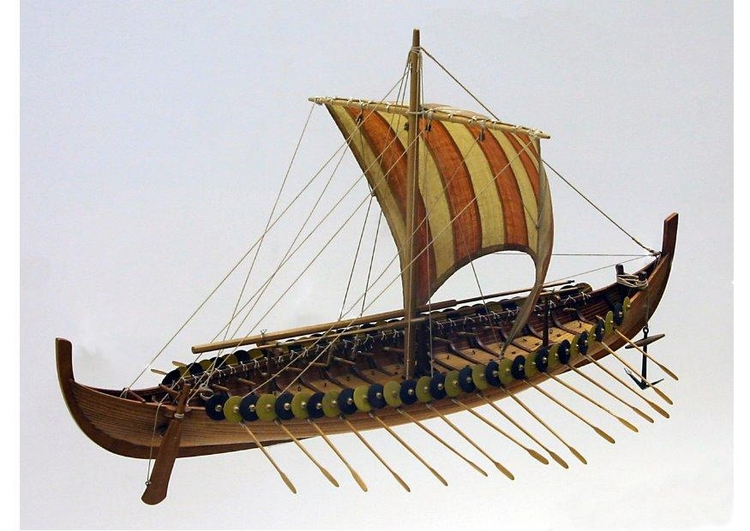 Photo model of Gokstad viking ship