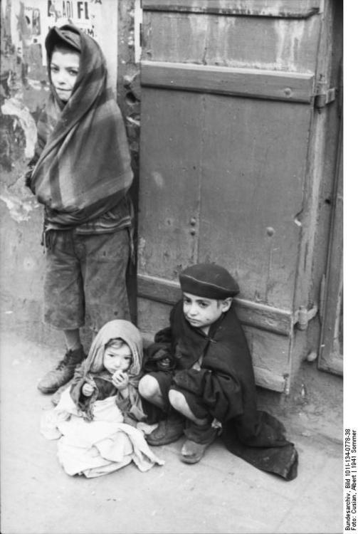 Poland - Ghetto Warsaw - children