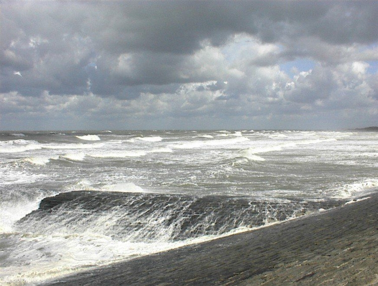 Photo rough sea