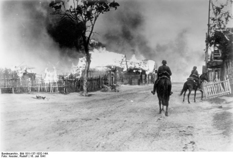 Photo Russia - village on fire with cavalry