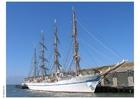 Photo sailing ship