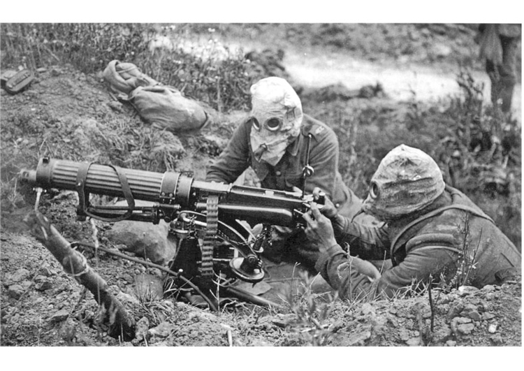 Photo soldier with machine gun and gasmask
