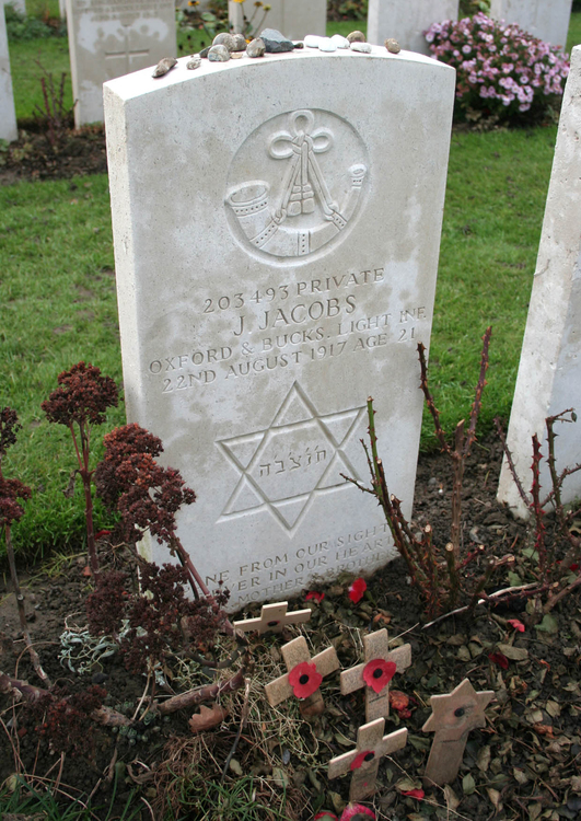 Photo Tyne Cot Cemetary- grave of the Jewish soldier