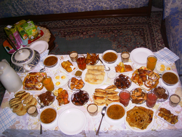 Photo traditional ramadan meal
