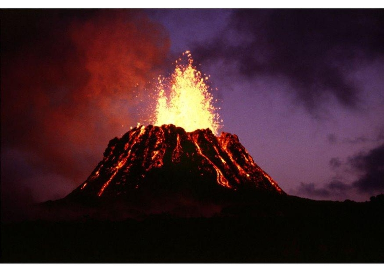 Photo vulcano - volcanic eruption