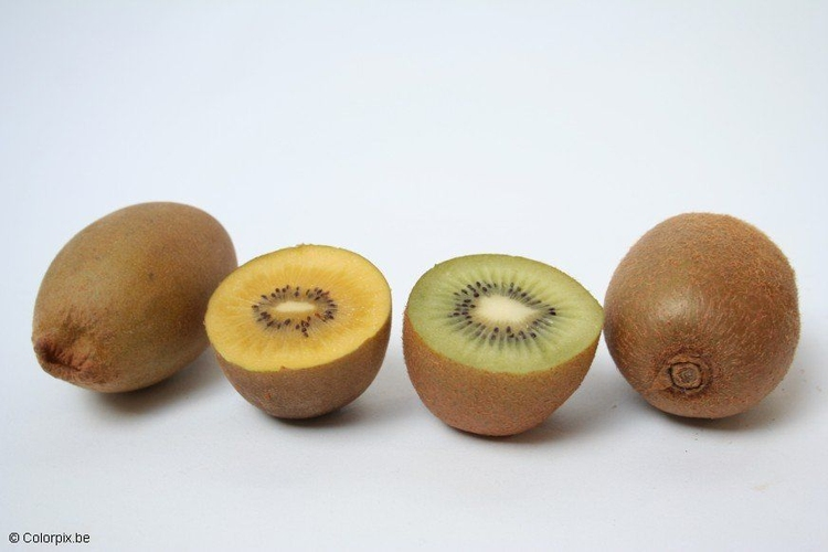 Photo yellow and green kiwi