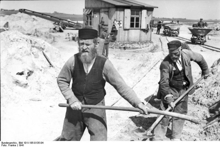 Photo Yugoslavia - Jews under forced labor